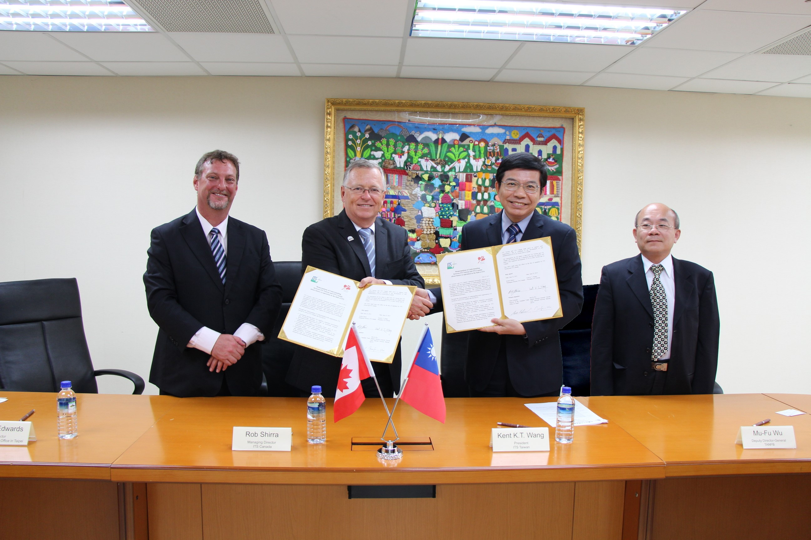 Signing ceremony of MOU between the ITS Taiwan and ITS Canada